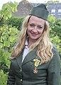 Blonde vrouw als duitse strijdster bevrijdingsfestival Brielle 2015.jpg