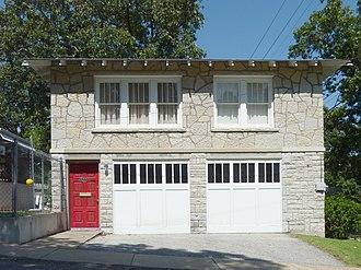 Bonnie & Clyde Garage Apartment - Image: Bonnie and Clyde Garage Apartment