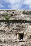 bovengedeelte van ommuring met schietgat van het torenfort uitermeer, onderdeel van de nieuwe hollandse waterlinie - weesp - 20429704 - rce
