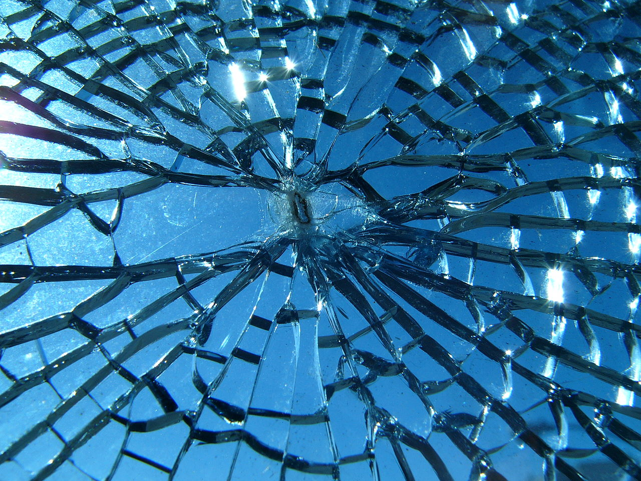 File:Broken glass.jpg ...