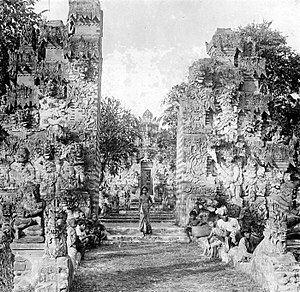 Pura Beji Sangsit - The damaged candi bentar split gate of Pura Beji in the early 20th-century.