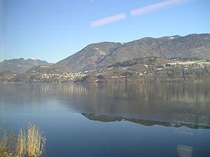 Lago di Caldonazzo - Image: Caldonazzo Lake 20060114