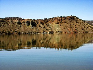 Calm Water and Reflection on Prineville Reservoir (451712417).jpg