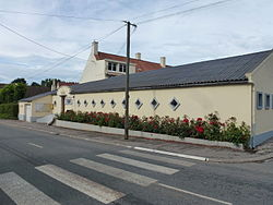 Campagne-lès-Guines (Pas-de-Calais) mairie.JPG