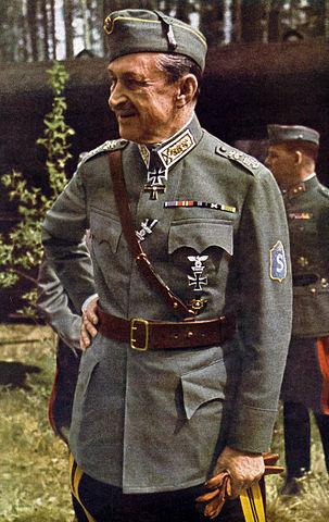 Густав Маннергейм в 1942 году. Одна из немногих его цветных фотографий
