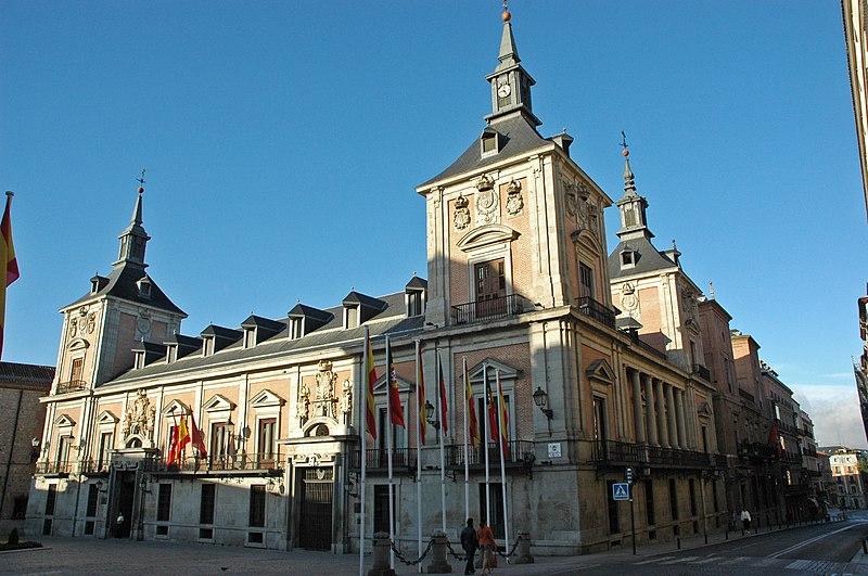 صور مدينه مدريد الاسبانيه  800px-Casa_de_la_Villa_%28Madrid%29_02