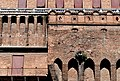 Castello Estense esterno giardino pensile dettaglio.jpg