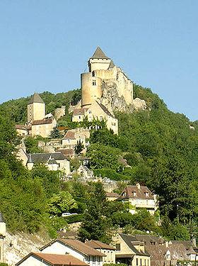 Le village de Castelnaud et son château.