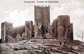 Guimarães Castle - A view of the Cradle of Portugal in 1910: at the time of the formation of the First Portuguese Republic