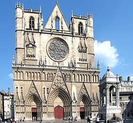 Cathedrale-saint-jean.jpg