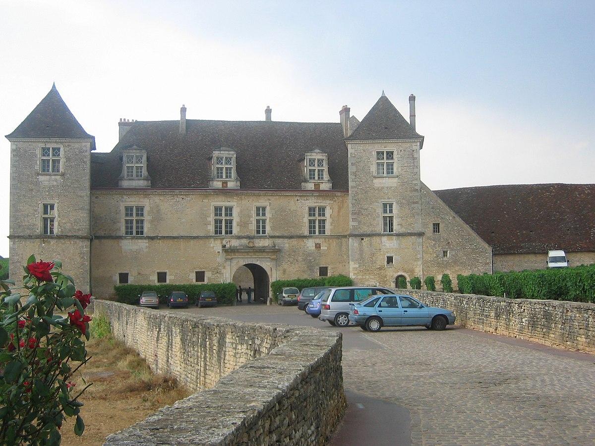 Chevaliers du tastevin wikipedia - Chateau de mike le chevalier ...