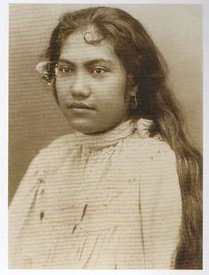 Merahi metua no Tehamana - A photograph by Charles Georges Spitz circa 1888 often reproduced as a portrait of Teha'amana, although there is no evidence for the identification.