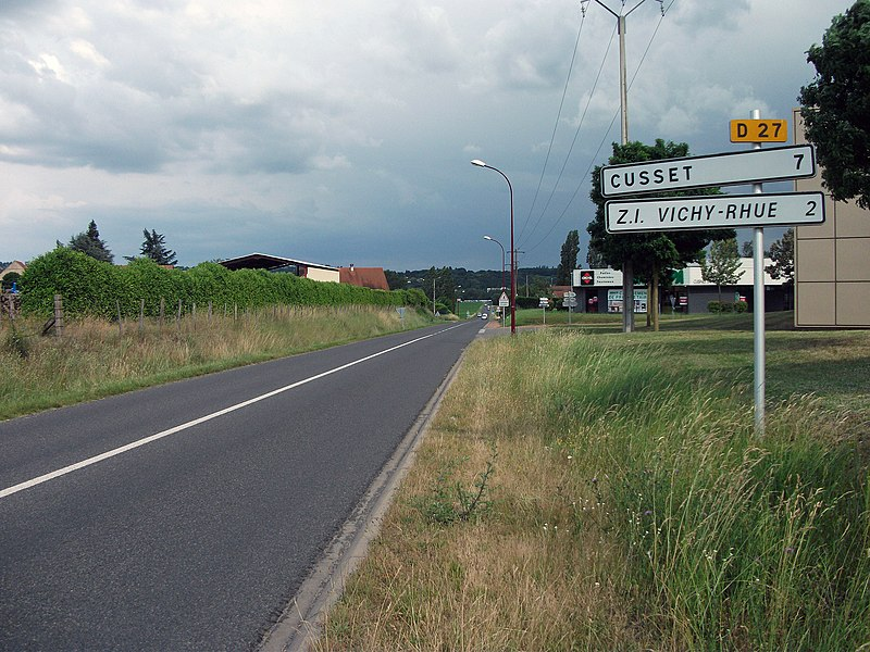 Confirm sigs (made in 1988) on the departmental road 27 towards Cusset and Vichy-Rhue industrial area at the exit of Charmeil.