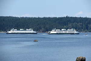 Issaquah 100 class ferry - Image: Chelan and Sealth pass each other
