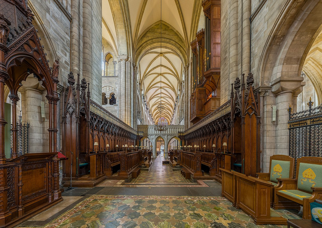 File:Chichester Cathedral Choir, West Sussex, UK