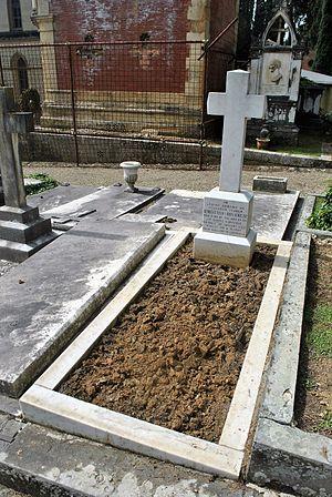 Bert Hinkler - Cimitero degli Allori, John Louis Herbert Hinkler