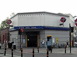 Clapham North Tube Station (8714304907).jpg