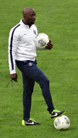 Claude Makélélé - Makélélé in 2013, in his coaching role at Paris Saint-Germain