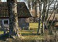 Cottage at Prästtorp graveyard, Brastad.jpg