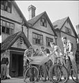 Country Club For US Airmen- Rest and Recuperation in the English Countryside, Stanbridge Earls, Romsey, Hampshire, 1943 D14543.jpg