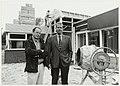 De huisartsen Paardekooper(l) en Jagtenberg(r) voor hun in aanbouw zijnde groepspraktijk in Zandvoort. NL-HlmNHA 54037234.JPG