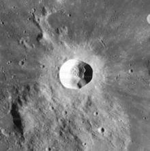 狄奥尼修斯陨石坑