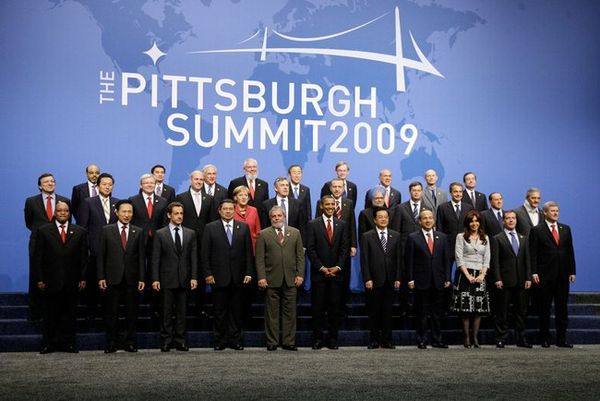 Country leaders at the 2009 G-20 Pittsburgh summit Dmitry Medvedev at G20 Pittsburgh summit-1.jpg