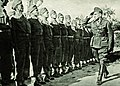 Dowódca 7 DP płk Leopold Okulicki dokonuje przeglądu oddziałów, uroczystość 3 maja 1942.jpg