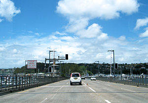 A8 (Sydney) - Driving southbound on the A8 over the Spit Bridge