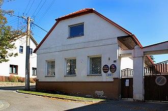 Dvakačovice - Image: Dvakačovice, municipal office