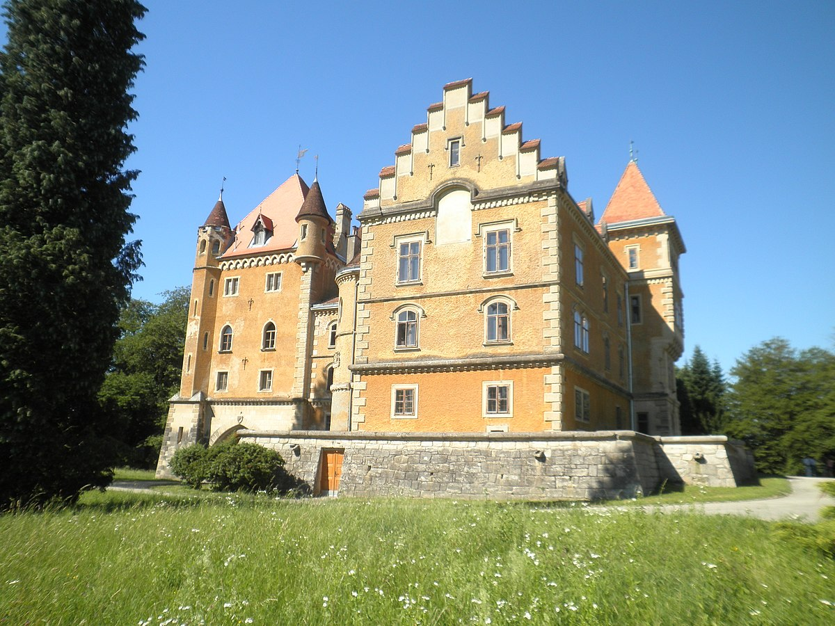 Maru Evec Castle Wikipedia