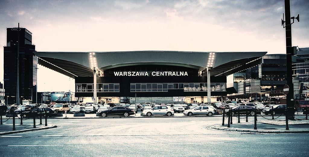 > Gare Warszawa Centralna à Varsovie - Photo de Radek Kołakowski.