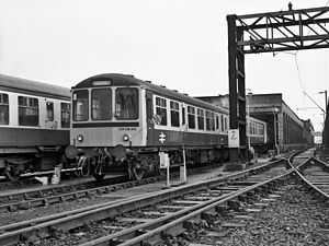British Rail Class 104 - Image: EXPDM352 at Longsight Diesel TMD