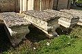Eglise Saint-Vigor de Cheux - Sarcophages - Anciennes tombes.jpg