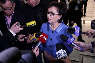 Parlamento polaco elige una nueva presidenta tras la salida forzosa de su antecesor