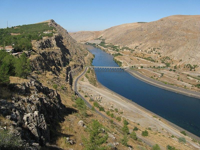File:Euphrates river - panoramio.jpg