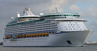 Explorer of the Seas (ship, 2000) 001.jpg