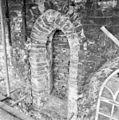 Exterieur detail romano-gothisch venster noordgevel schip - Godlinze - 20078821 - RCE.jpg