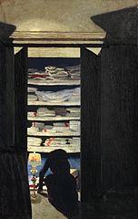 Femme fouillant dans un placard