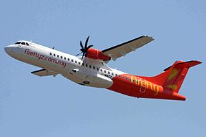 ATR 72 - Image: F WWEZ (948) ATR.72 212A(500) Fly Fire Fly TLS 30AUG11 (6097869500) (cropped)