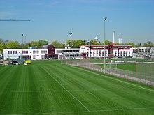 [L1] Bayern Munich 220px-FCB-Geb%C3%A4ude_und_Trainingsgel%C3%A4nde