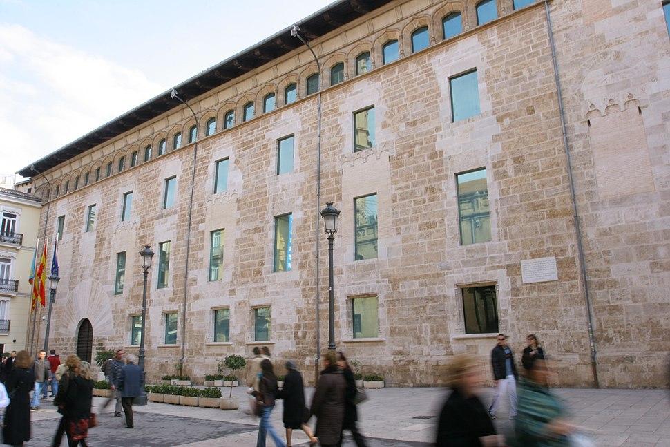 Façana de Les Corts del País Valencià