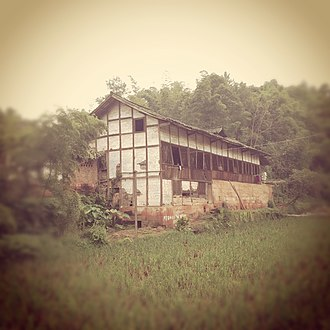 Sichuan - Typical vernacular house in Sichuan