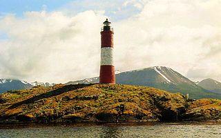Faro Les Eclaireus, Canal de Beagle, Tierra del Fuego, Argentina - panoramio.jpg