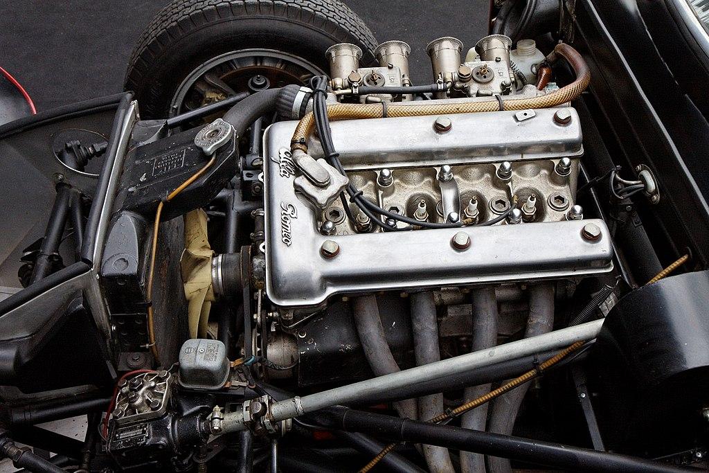 Festival automobile international 2011 - Vente aux enchères - Moteur Alfa Romeo TZ - 1965 02.jpg