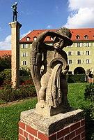 Figur im Innenhof Borstei München.jpg