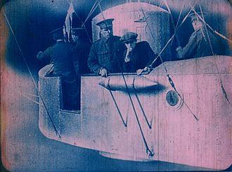 Filibus - Filibus in her airship