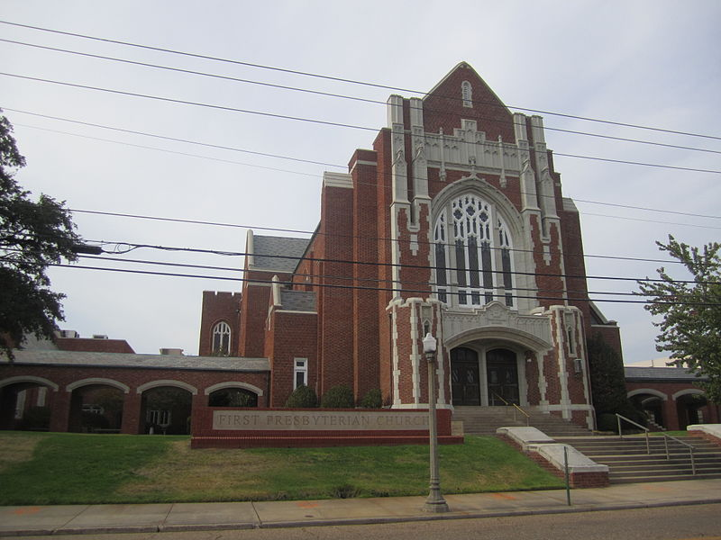 http://upload.wikimedia.org/wikipedia/commons/thumb/6/67/First_Presbyterian_Church%2C_Shreveport%2C_LA_IMG_4957.JPG/800px-First_Presbyterian_Church%2C_Shreveport%2C_LA_IMG_4957.JPG