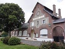 Foreste (Aisne) mairie-école.JPG