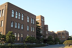 Former faculty of engineering main building, Hakozaki, Kyushu University 20150203.jpg